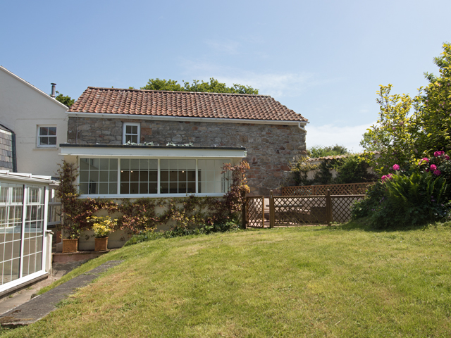 Peachy Self Catering Accommodation In Jersey And Guernsey Freedom Download Free Architecture Designs Scobabritishbridgeorg