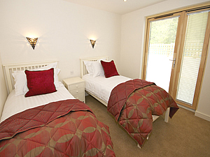 Ground floor twin bedroom
