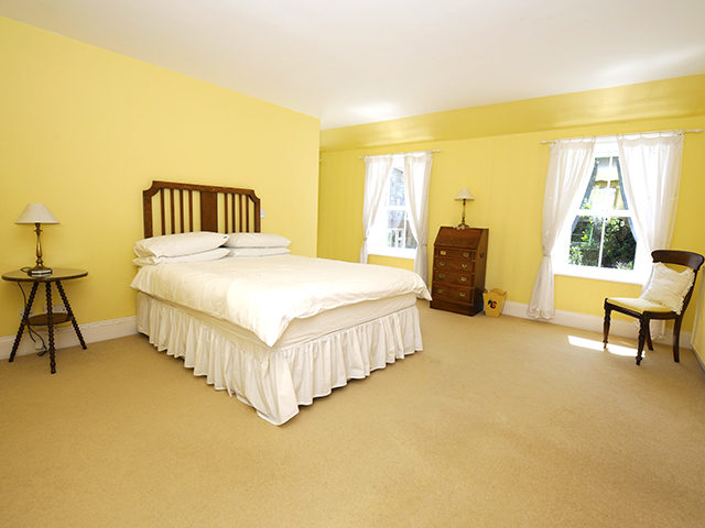 Double bedroom with double bed