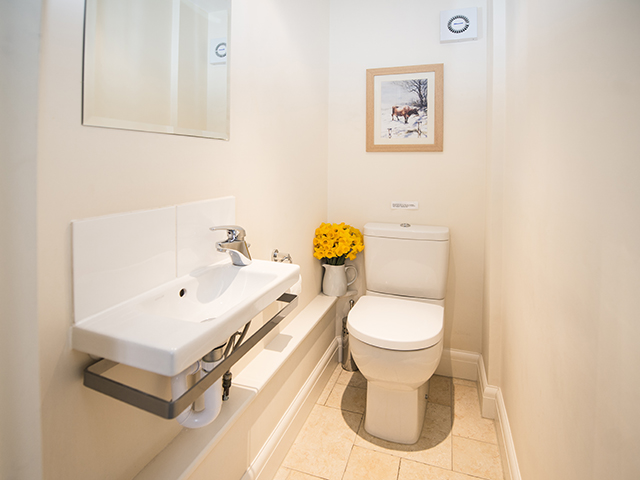 Le Hurel L'Etable Cottage also benefits from a cloakroom on the ground floor.