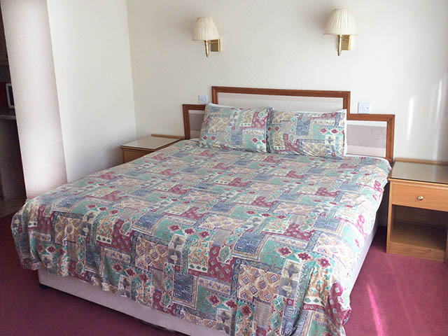 Double bed which can be made up as 2 singles on request