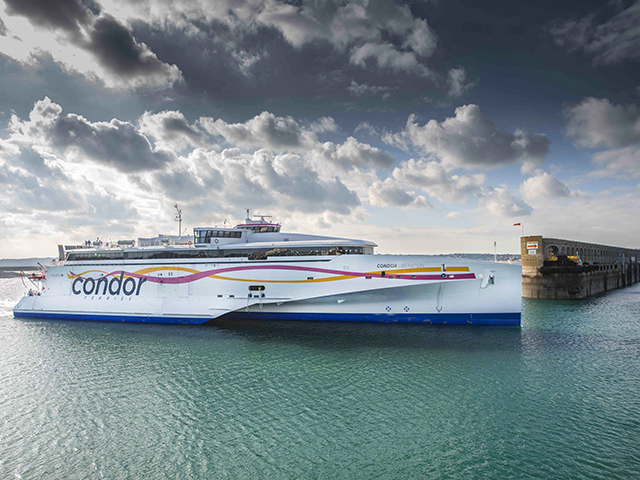 Freedom Offer: Book now, pay later, plus discount for all fast ferry sailings with a car from the UK