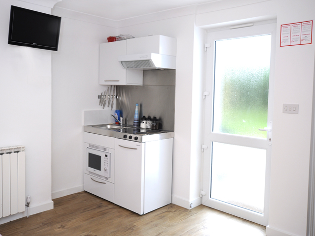 Compact kitchen area