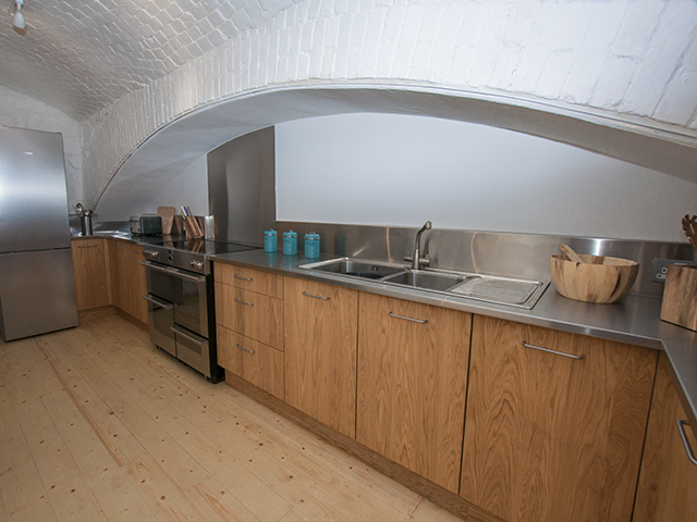 Spacious and well equipped kitchen on the ground floor
