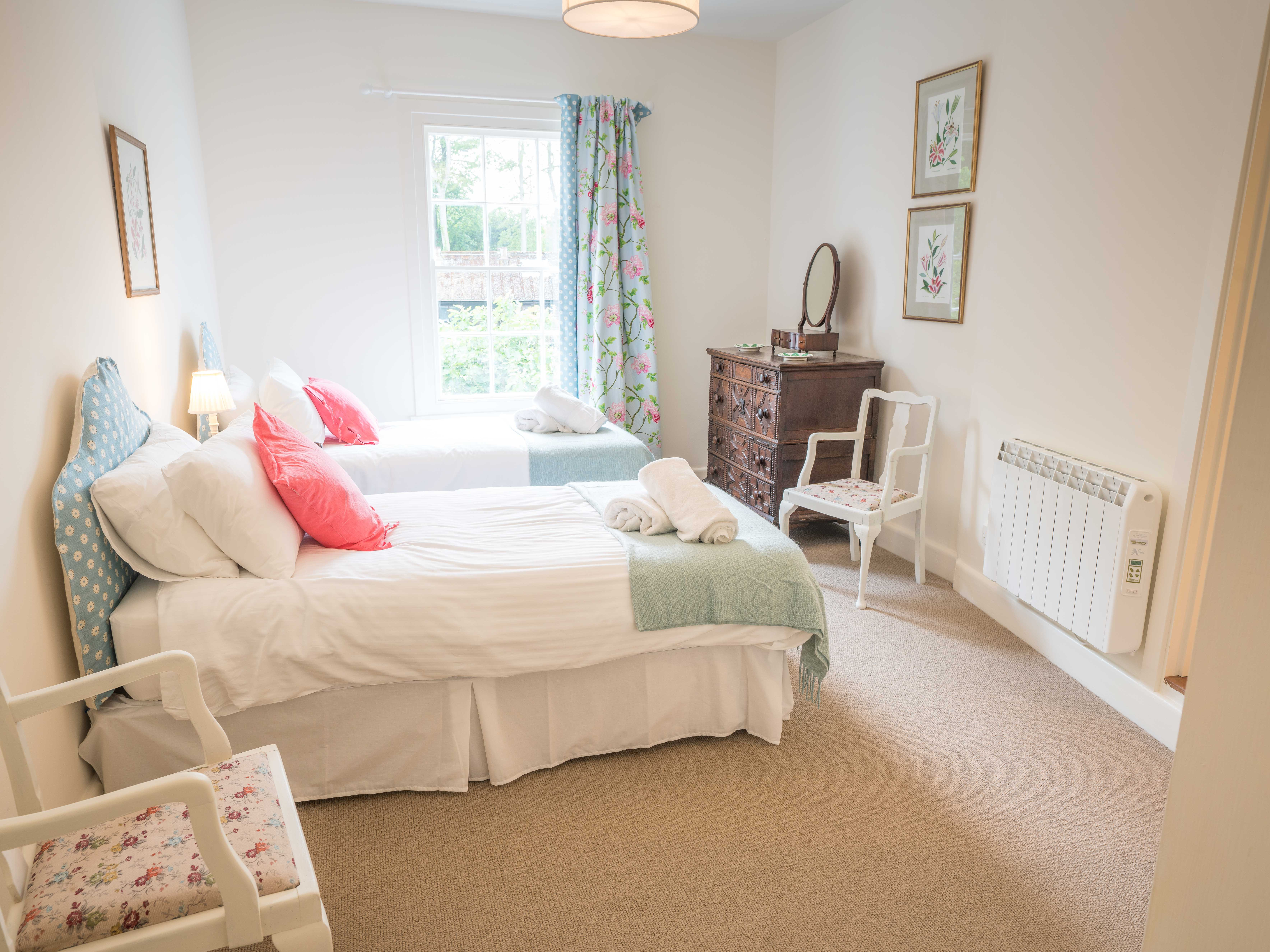 Spacious Twin bedroom with ensuite