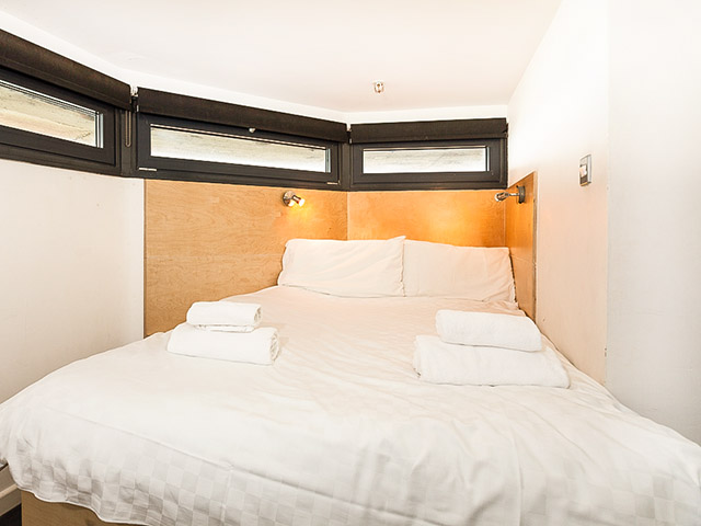 The Radio Tower has 3 identical double bedrooms, all with fitted wardrobes, hand-made beds and their own adjacent shower room with shower, basin and toilet.