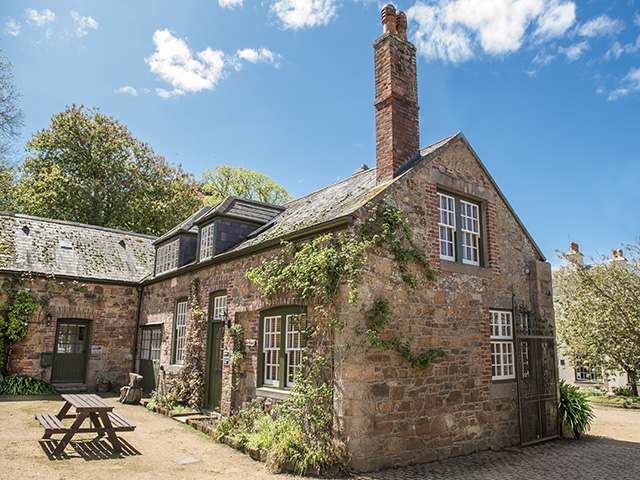 Samares Manor Coach House - Samares Manor Farm Cottages and