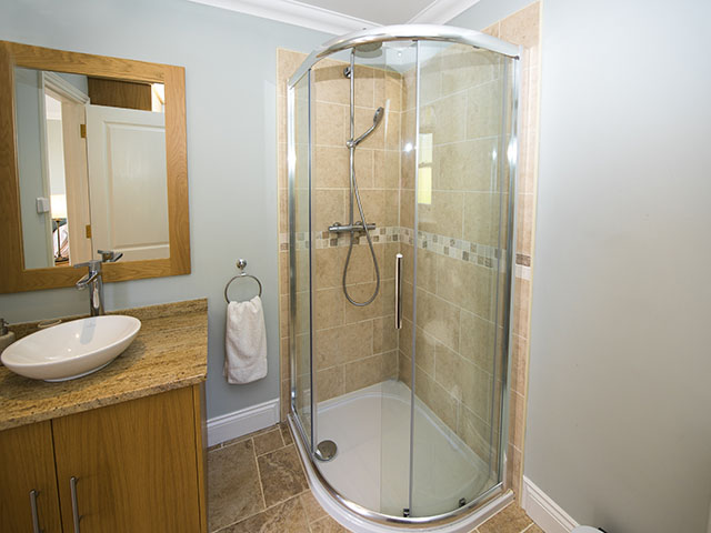 Shower room en-suite to master bedroom