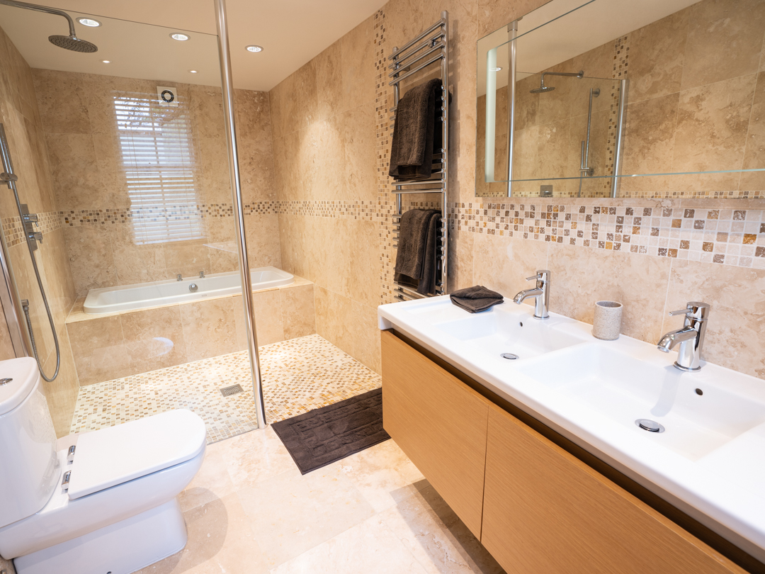 Master Ensuite with Bath, Shower, Double Vanity and WC