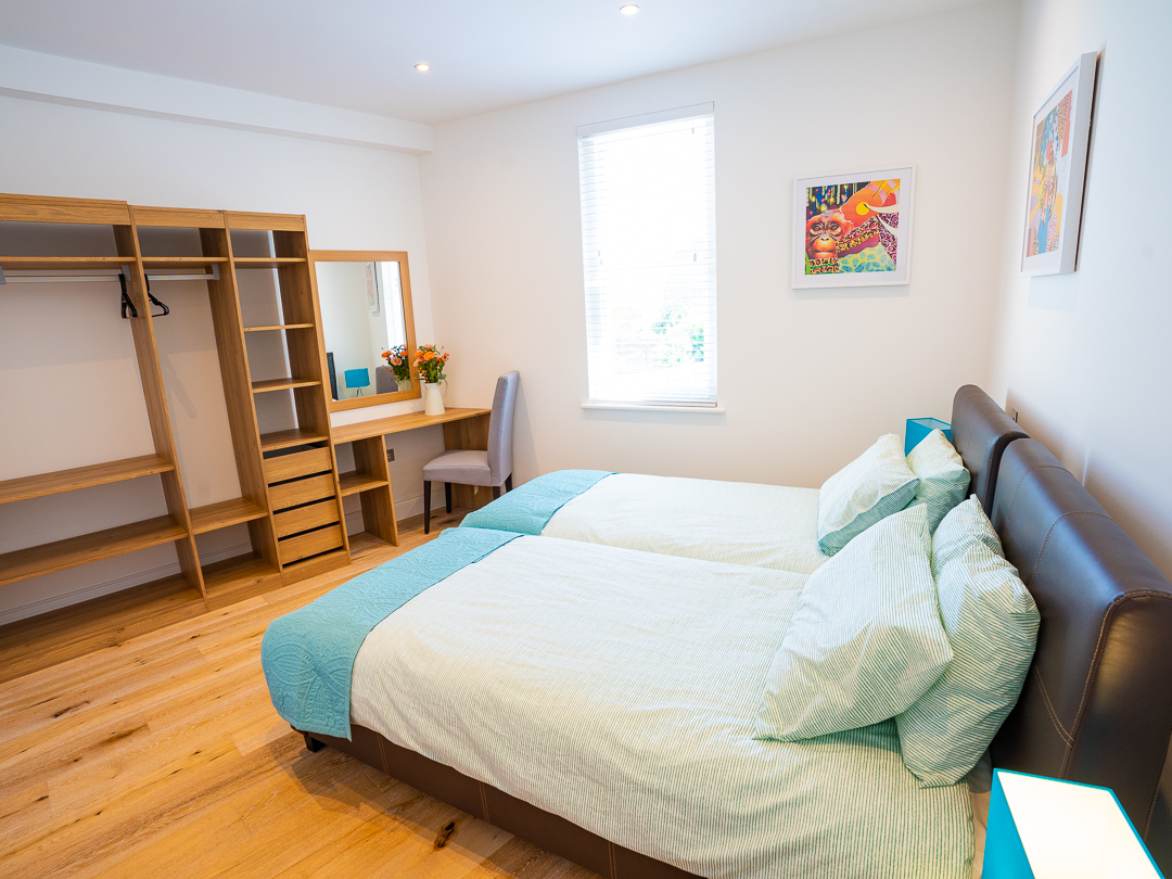 Spacious bedroom on 1st floor with twin beds
